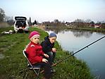мои помощники рыбаки